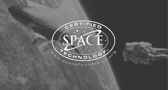 Logo van het tempur materiaal dat is gecertificeerd als ruimte-technologie. Achter het logo is onder andere een astronaut en de maan zichtbaar.